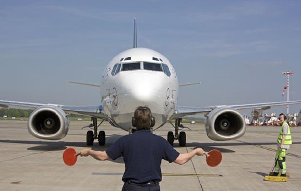 Berufe Flughafen – Fast wie eine Kleinstadt - Arbeitsplatz ...
