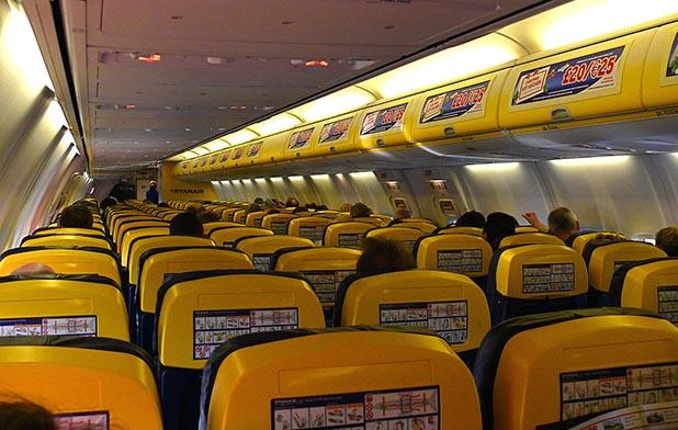 Ryanair 2013 – Ryanair schreibt rote Zahlen – Career.aero