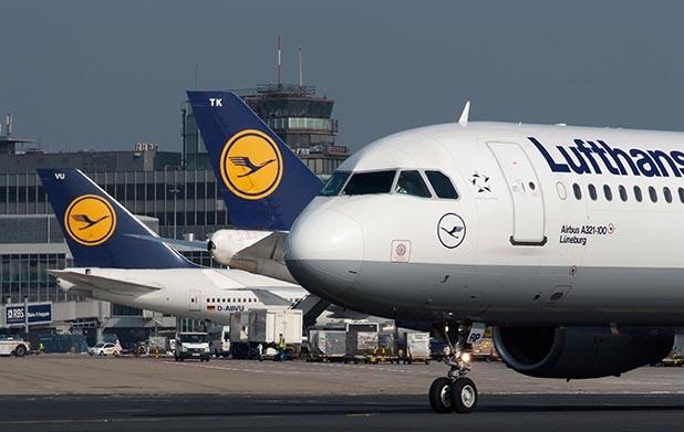 Streik der Lufthansa – Streiks kosten der Lufthansa halbe ...